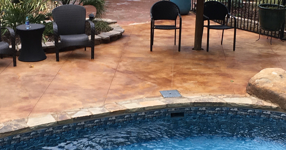 pool deck in east tupelo